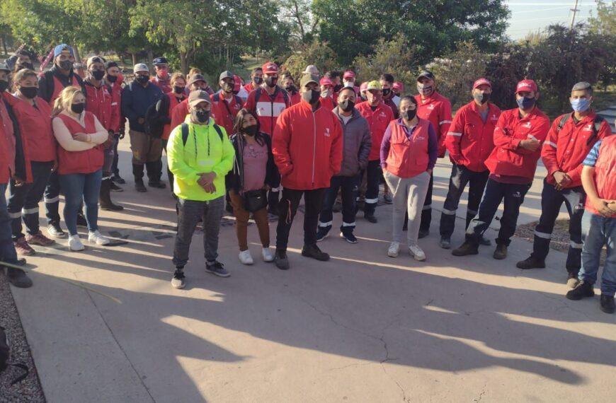 Trabajadores del Parque de la Ciudad denunciaron que Lito Asís les hace firmar recibos en blanco
